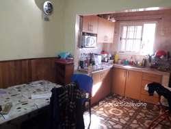 Casa en Venta en Avellaneda con 2 Departamentos