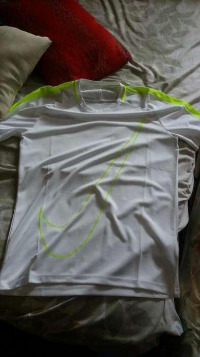 Camisa Nike <strong>deportiva</strong> Talla M Original