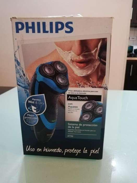 Maquina Afeitadora Recargable Philips At750 Aquatouch