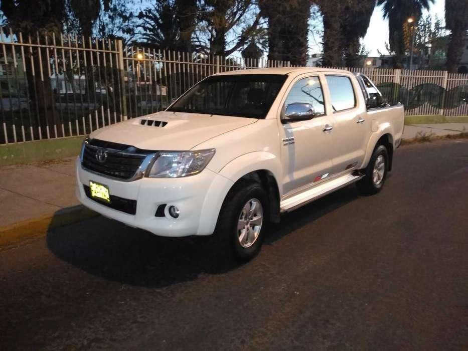 Toyota Hilux 2013 - 111000 km