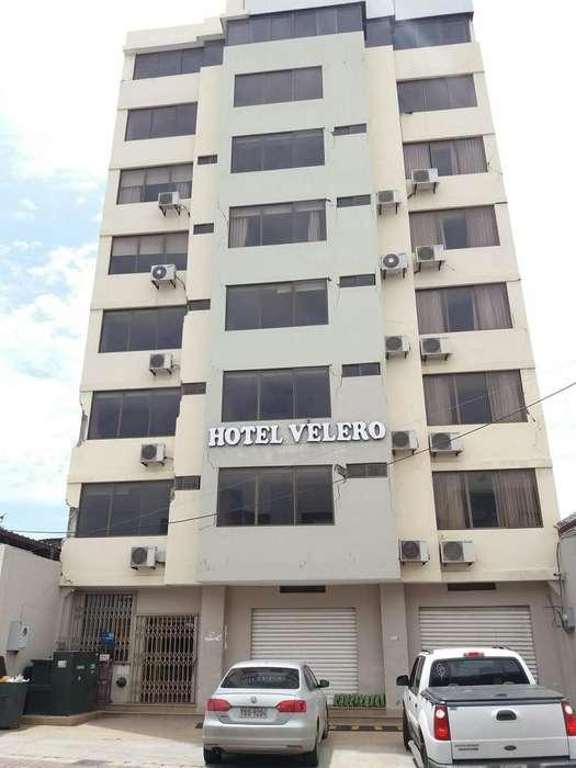 Hotel de Venta en Manta en el Barrio Santa Marianita, Almendros, Avenida 24 entre las calles Flavio Reyes y Calle 20