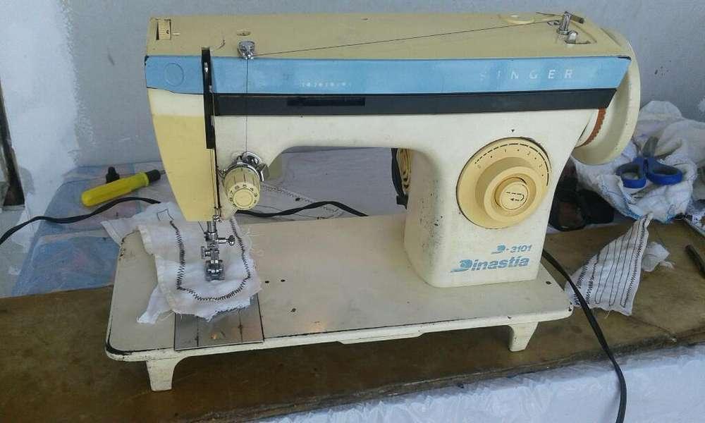 Vendo Máquina de Coser Singer 3192239590