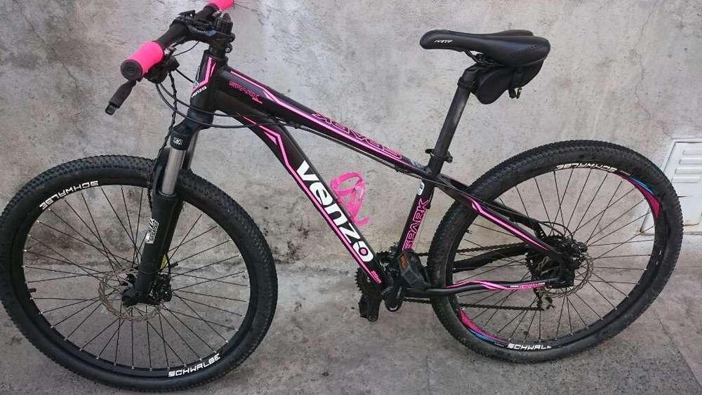 Vendo Hermosa Bicicleta Venzo para Damas