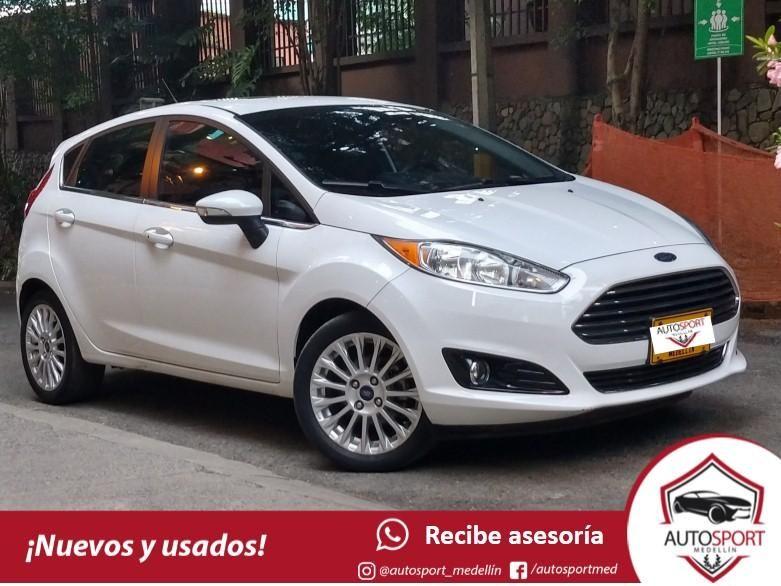 Ford Fiesta Titanium AT - Financiamos rápido