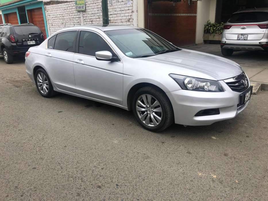 Honda Accord 2012 - 94000 km