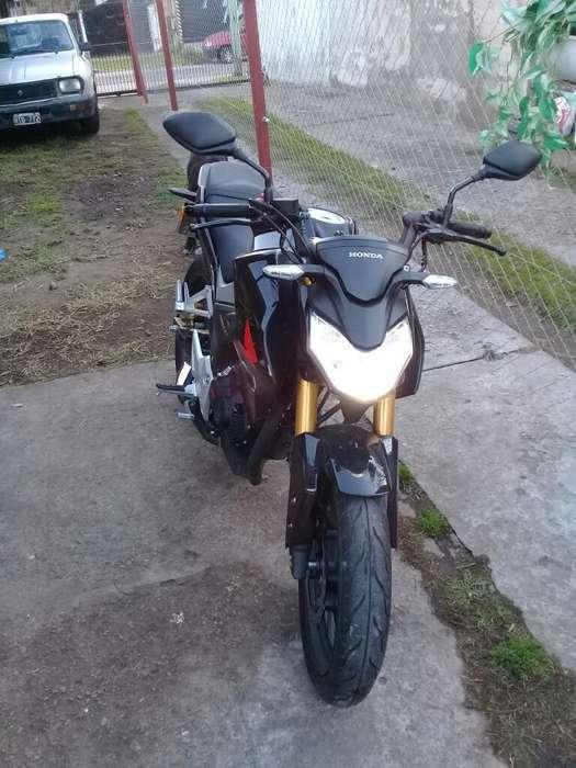 Vendo Moto Honda 190cc.