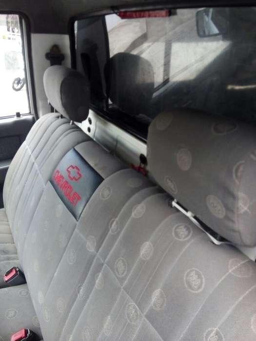 Chevrolet Luv 2001 - 400000 km
