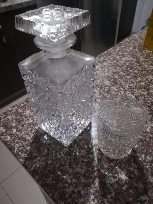 licorera y 6 vasos en cristal de bohemia