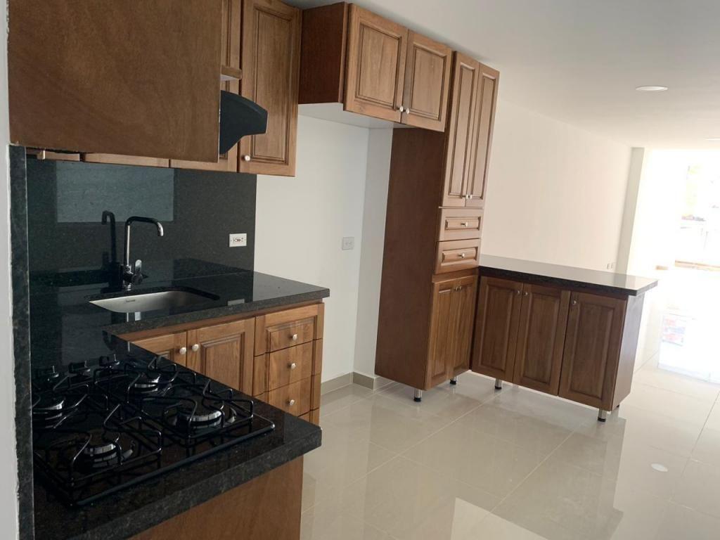 Apartamento Piso 5 Sector Barrio Mesa. Código 877571