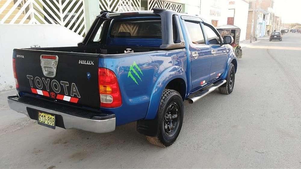 Toyota Hilux 2010 - 150000 km