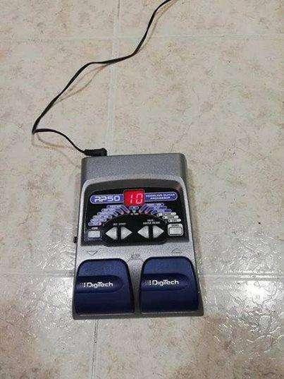 pedalera multiefectos digitech rp50 con cargador
