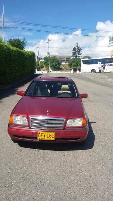 <strong>mercedes</strong>-Benz Clase C 1995 - 260000 km
