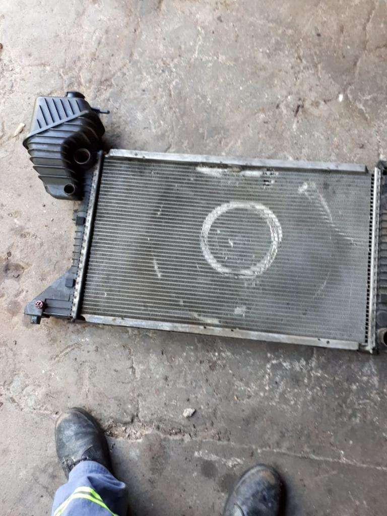 Radiador de Agua Mercedes Benz Sprinter