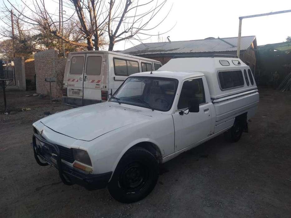Vendo <strong>camioneta</strong> Peugeot modelo 89 diesel