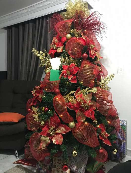 Vendo Arbol de Navidad 3135717634 Solo WhatsApp
