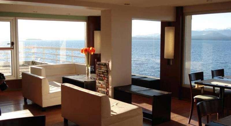 Bariloche Hotel sobre el Lago Impecable