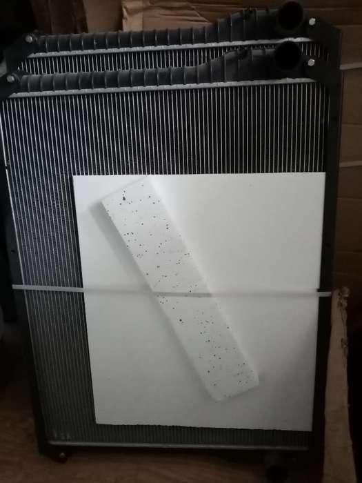 Vendo Radiador Hino 700 60mm Espesor