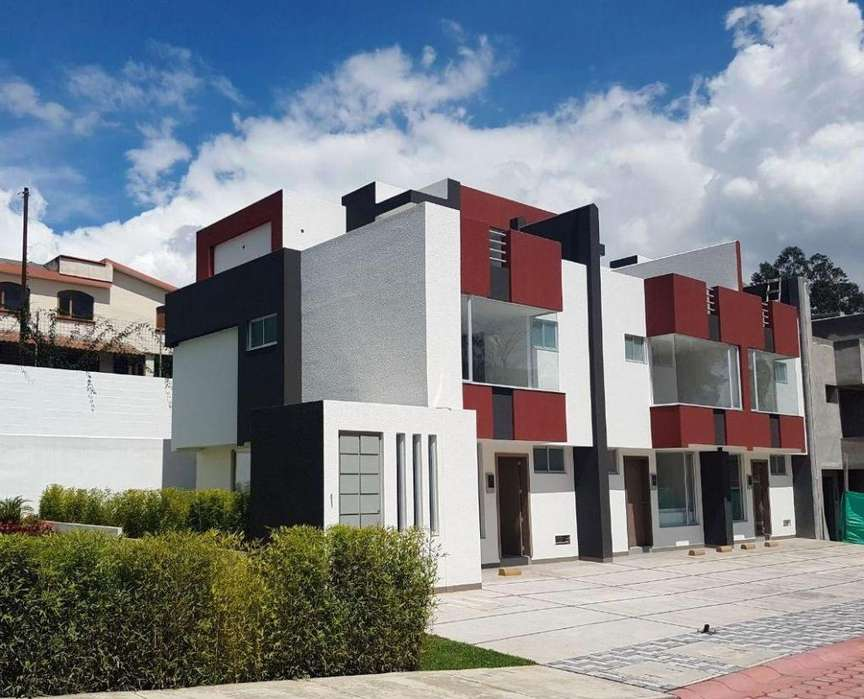 Amplias Casa Sector Conocoto, Colegio La Salle. 119 m². Conjunto Valkiria