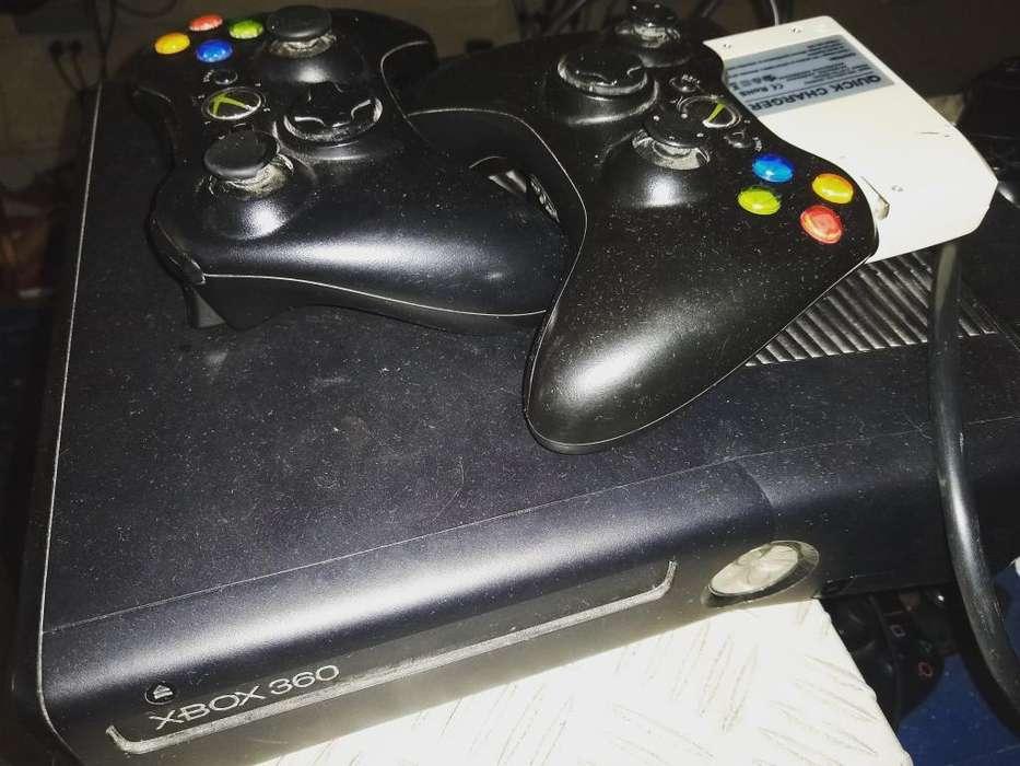 Vendo Xbox 360 con 45 Juegos Y Dos Contr