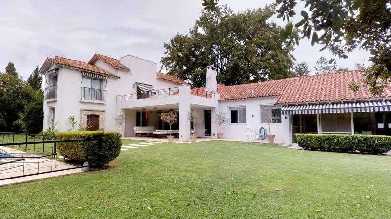 Oportunidad venta de tradicional casa en Tortugas Country Club – Mallmann Propiedades