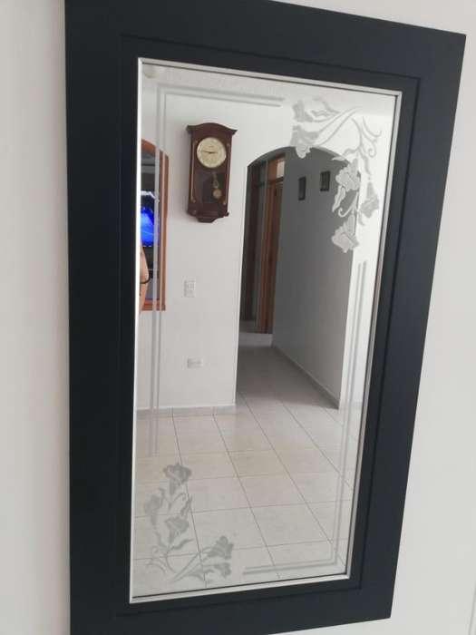 Se Vende Espejo de Galeria