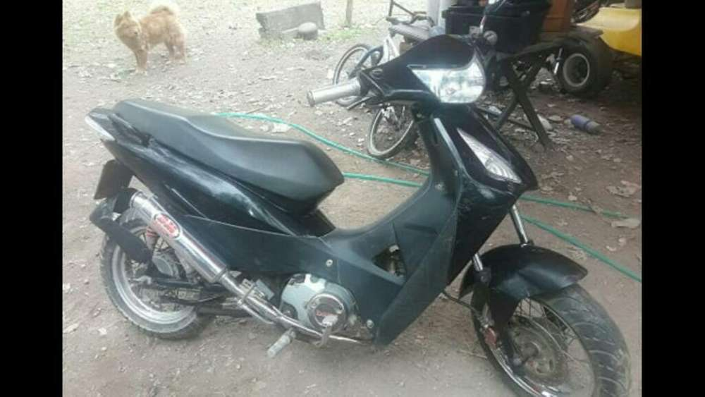 Vendo Zanella Zb 110 Tuning 2011 Color N