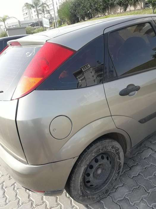 Ford Focus 2002 - 200000 km