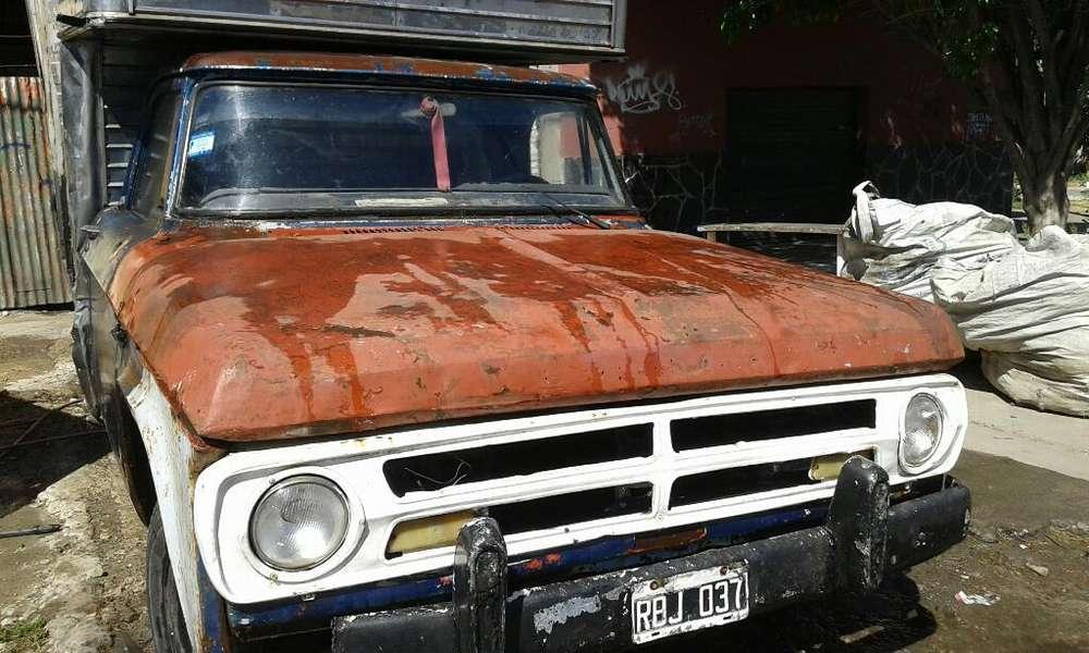 Dodge 200 Motor Hecho a Nuevo