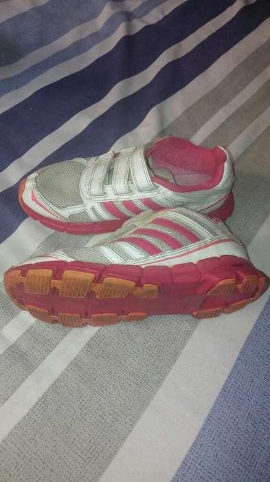 Zapatillas Adidas Talla 35.