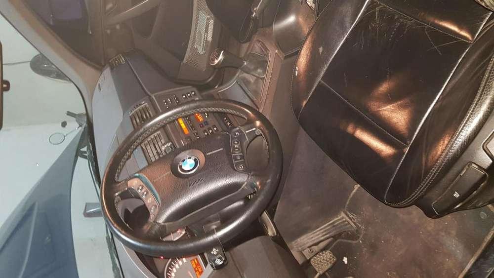 BMW X3 2005 - 150000 km