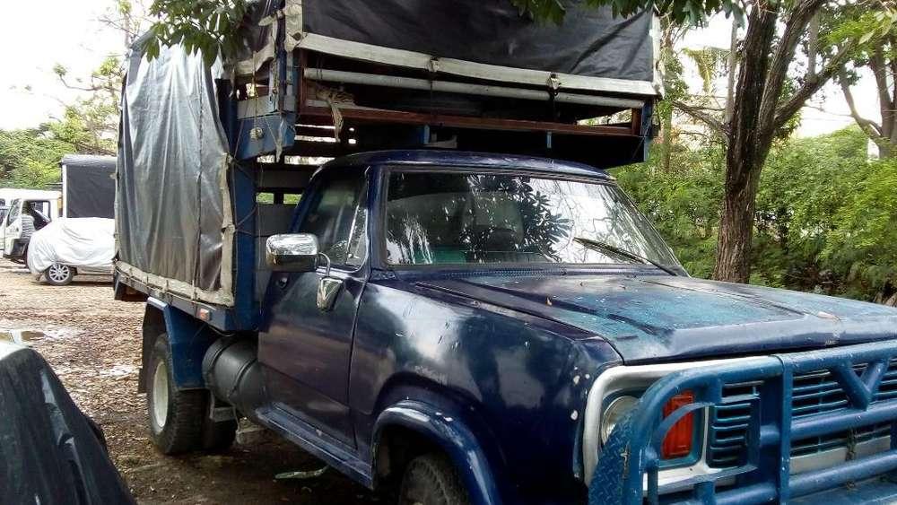 Vendo Camion Dodge 300