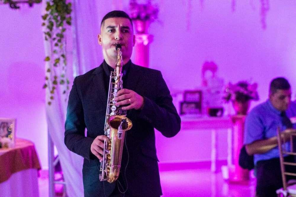 Saxofonista, Show de Saxofón Y Serenatas