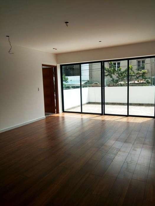 Dpto Flat 101, Z. residencial, A 3 cdras del malecón Miraflores