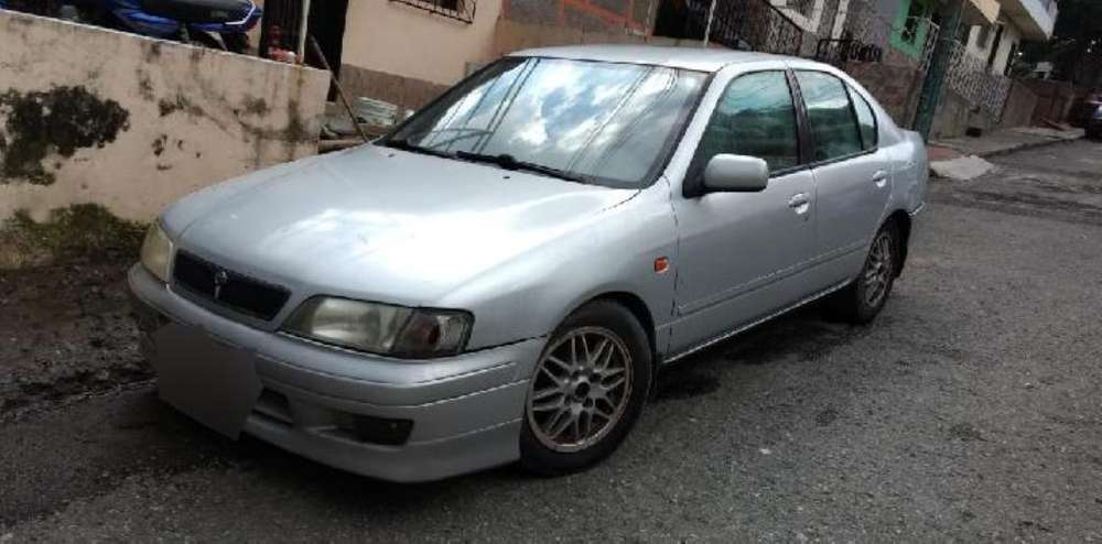Nissan Primera  2001 - 135000 km