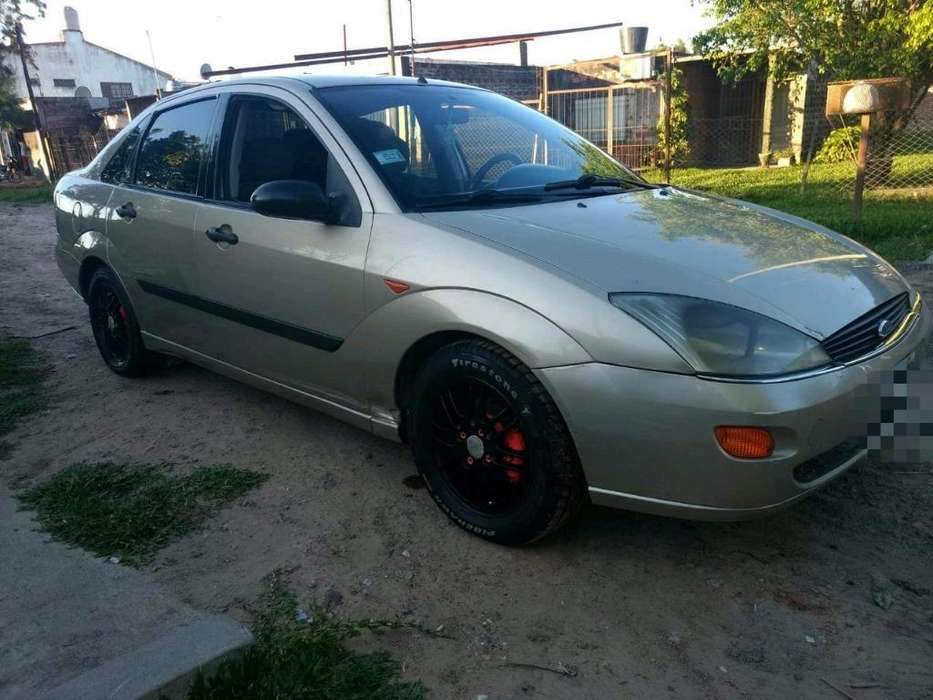 Ford Focus 2001 - 140000 km