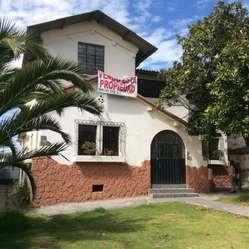 Alquiler de Casa Norte Centro de Quito Belisario Quevedo/ Las Casas Oe3-39