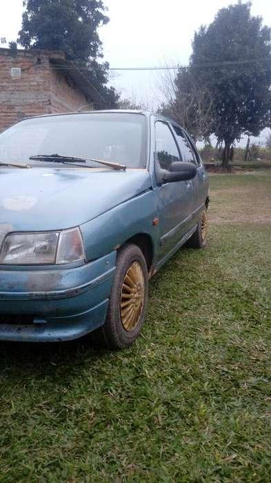Renault Clio  1995 - 1111111 km