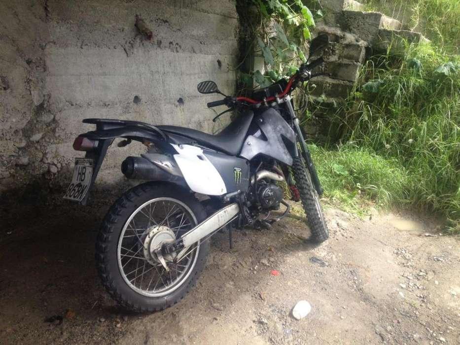 Vendo moto 800