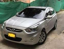 Stop Hyundai i25 Hatchback / Pago contra entrega a nivel nacional