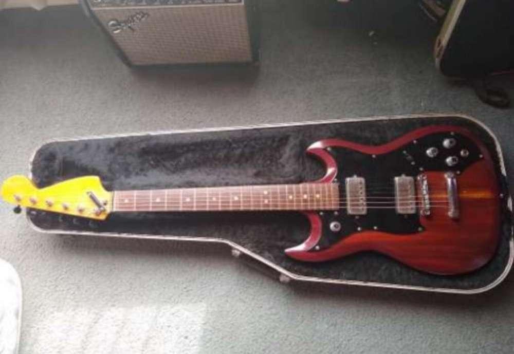 Guitarra de Los 70 Kuc Hangstrom