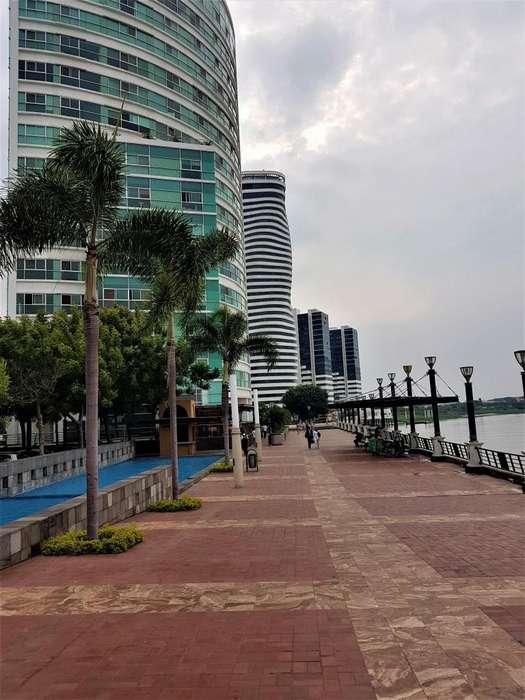 RIVERFRONT, Puerto Santa Ana, disfrute confortable departamento con magnífica vista al río