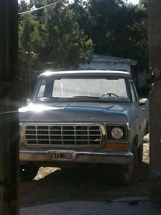<strong>ford</strong> F-100 1980 - 10000 km