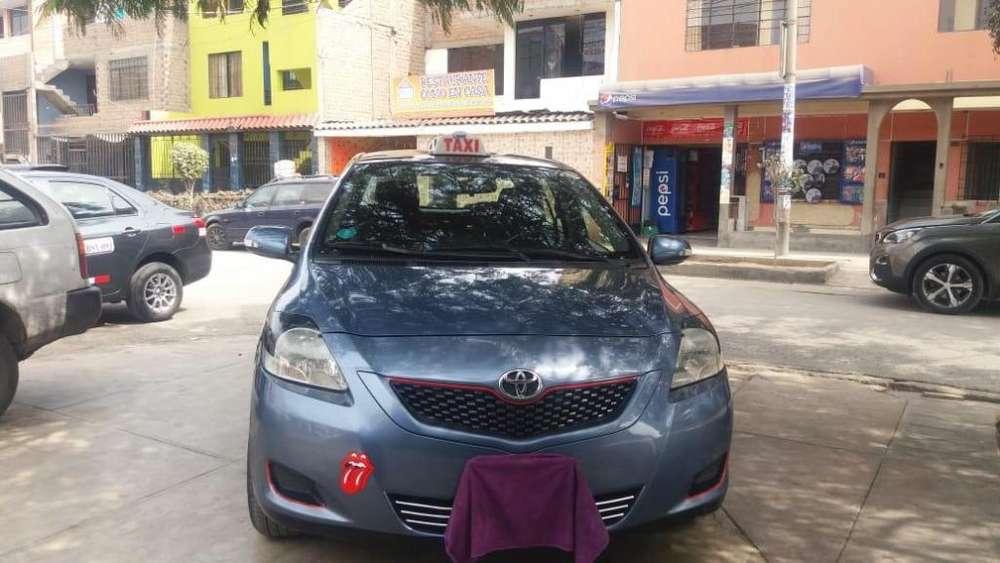 Toyota Yaris 2012 - 111784 km