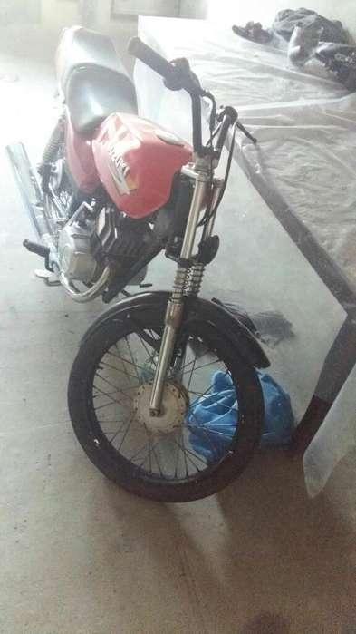 Vendo O Permuto por Otra <strong>moto</strong> Suzuki2015