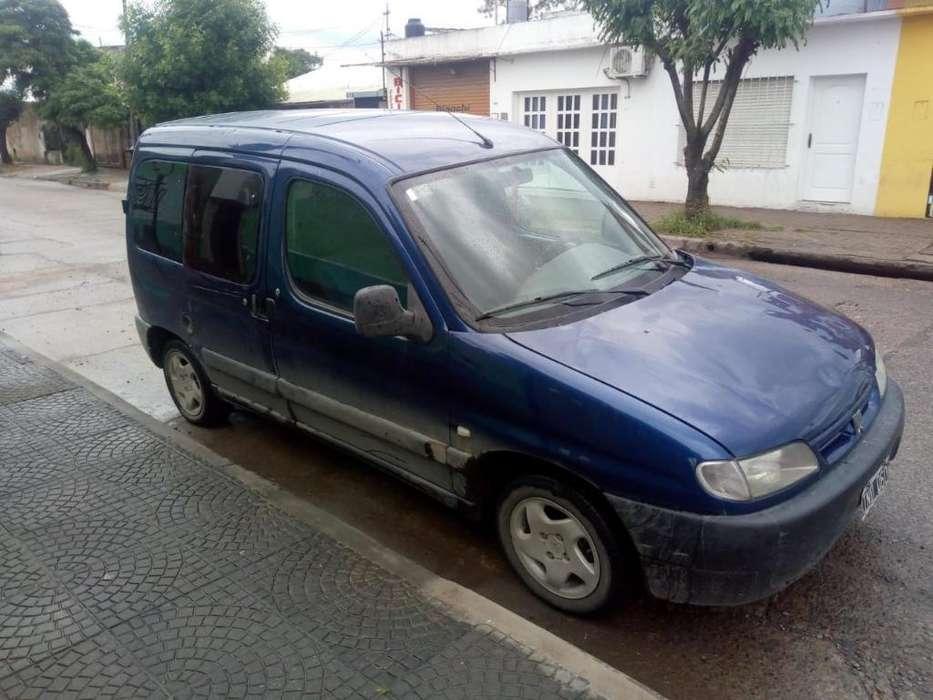 Peugeot Partner 2010 - 200000 km