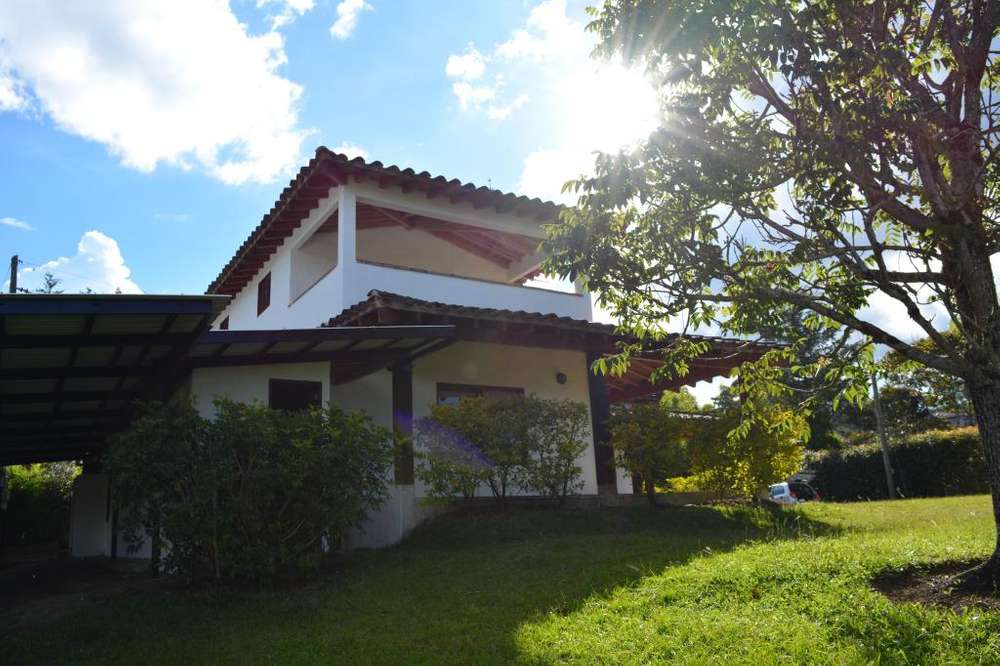 Finca en arriendo, ubicada en el municipio de Rionegro, Ant - Vereda El Higueron