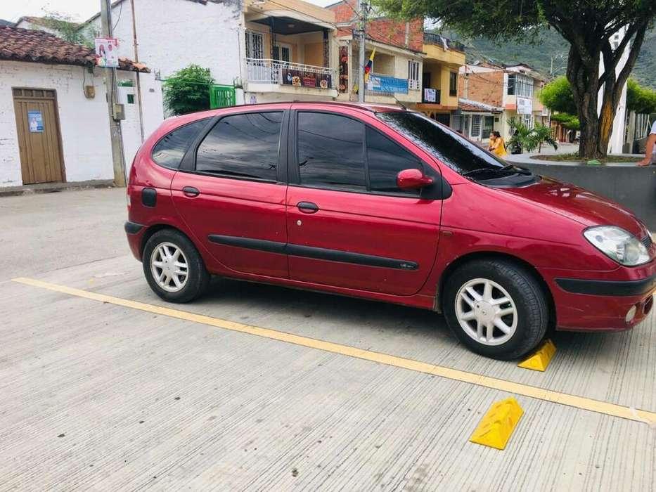 Renault Scenic  2002 - 173480 km