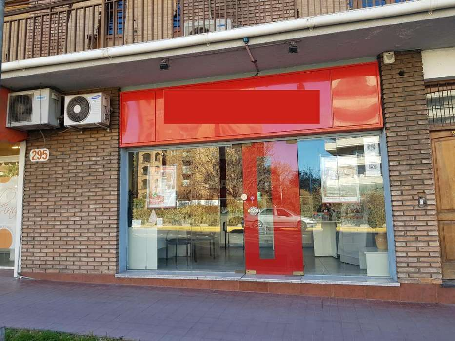 5ta SECCION**EXCELENTE LOCAL COMERCIAL** AV MORENO