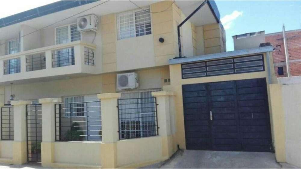 Av De Las Americas 2900 - UD 98.000 - Casa en Venta