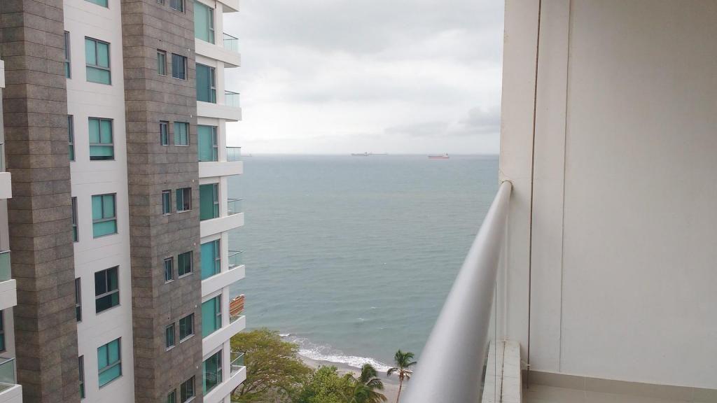 Apartamento con vista al mar y salida directa a la playa en Pozos Colorados